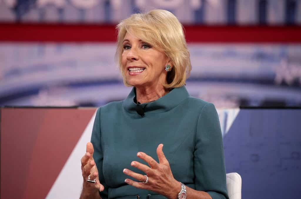Department of Education reviewing bankruptcy for student loan borrowers